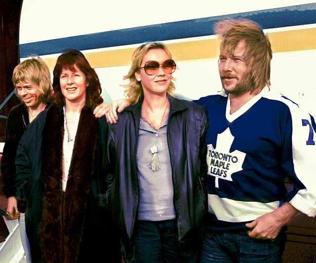 ABBA_at_Rotterdam_colourised_1979.jpg
