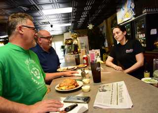 Charlie's_Restaurant_.jpg