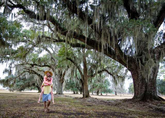 Piggy-backing-in-Fontainebleau-SP_Kevin-Garrett-for-LouisianaNorthshore.com---web.jpg