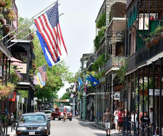Royal_Street,_New_Orleans_from_St_Philip_Street.jpg