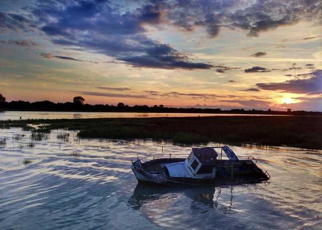sunken-boat-1973142.jpg