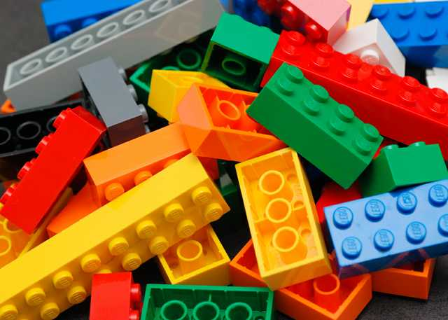 MAIN_Lego_Color_Bricks.jpg
