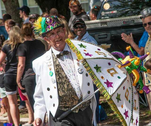 S&P-parade-dancer_561.jpg