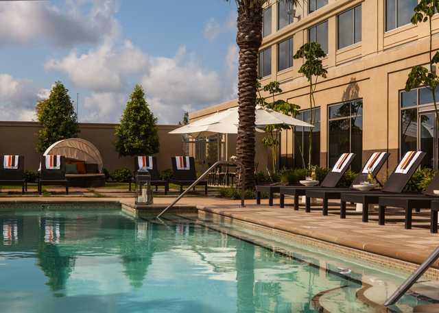 Pool_Area_9261.jpg