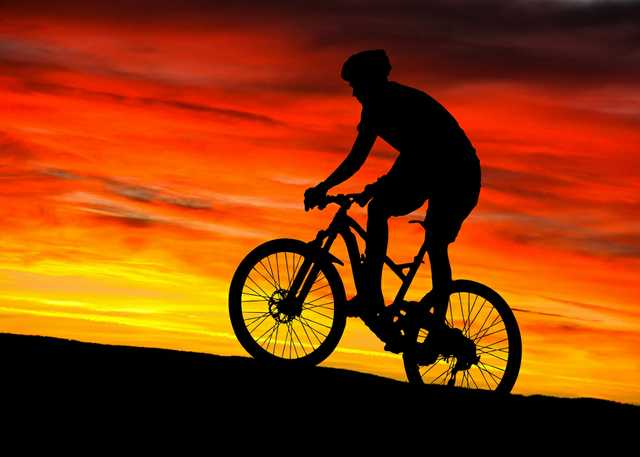 mountain-bike-rider-sunset.jpg