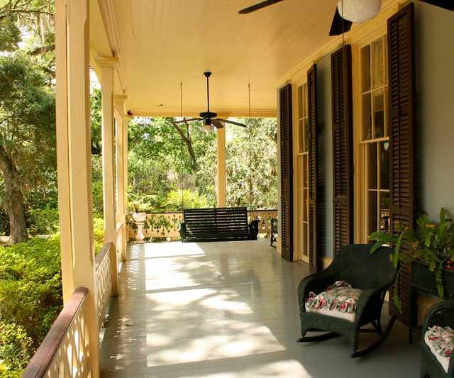 porch-186402_960_720.jpg