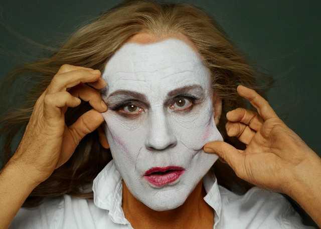 Annie-Leibovitz-_-Meryl-Steep,-NYC-(1981),-2014-(1).jpg