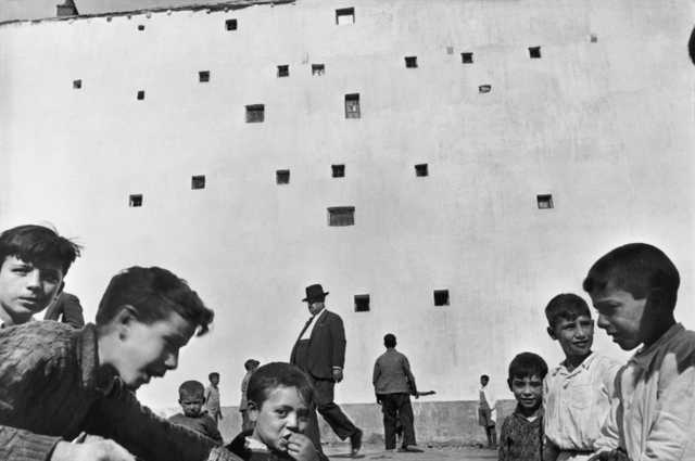Henri Cartier-Bresson Madrid, Spain (Kids, windows)
