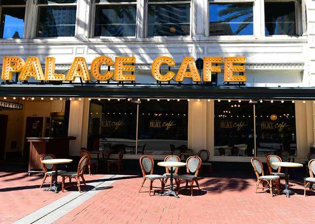 Palace_Cafe_01 (2).jpg