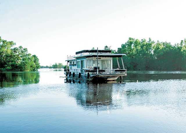 AtchafalayaHouseboat_KerryGriechen