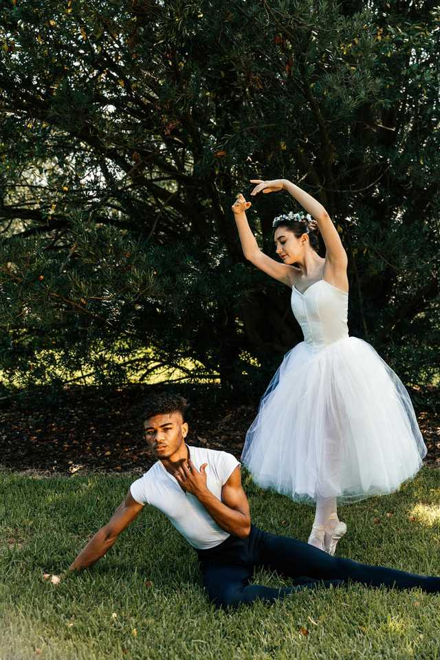 august-dancers-17.jpg