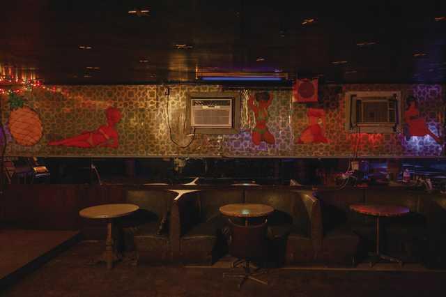 Holiday-Lounge_Olivia-Perillo_2020_11.jpg