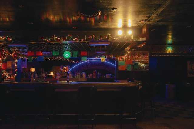 Holiday-Lounge_Olivia-Perillo_2020_30.jpg