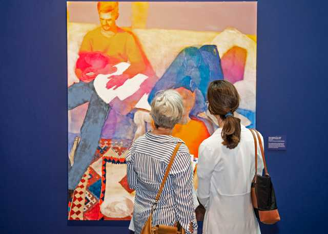 Visitors-gazing-at-a-painting-at-the-LSU-Museum-of-Art.jpg
