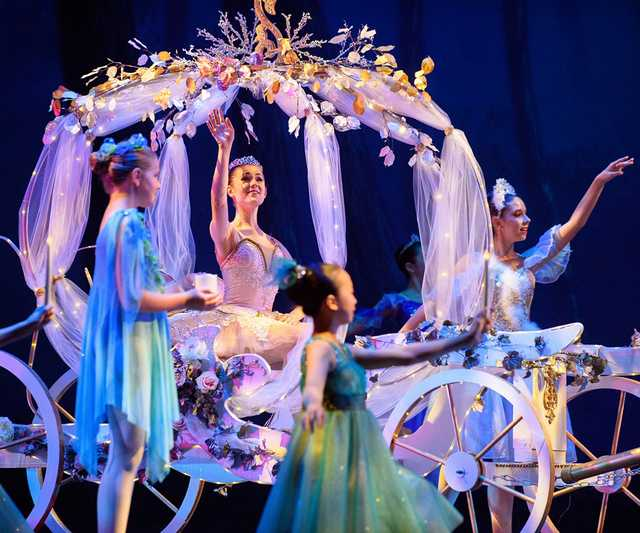 BR_Ballet_Cinderella_Rehearsal_0766-copy.jpg