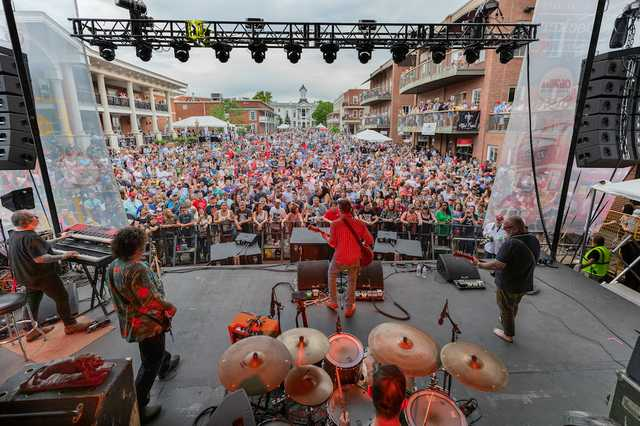 20190427-oxford-mississippi-double-decker-on-stage-lucero-21-Edit.jpg