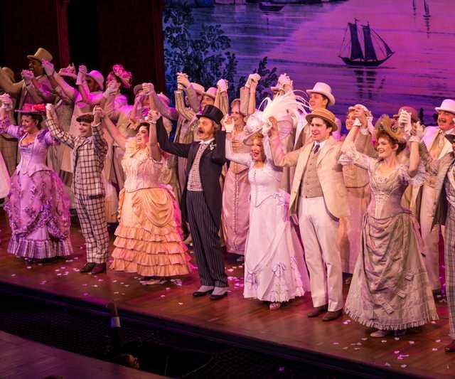 Hello_Dolly_-_Shubert_Theater_Broadway_-_Thursday_5th_October_2017_HelloDollyNYC051017-19_(38396340131).jpg