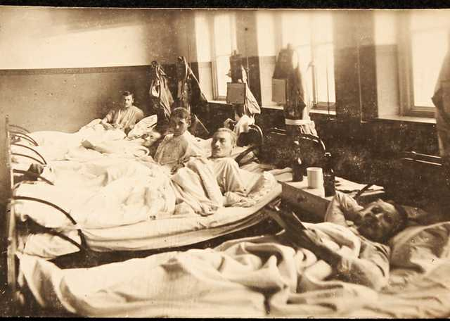 World_War_I_hospital_patients.jpg