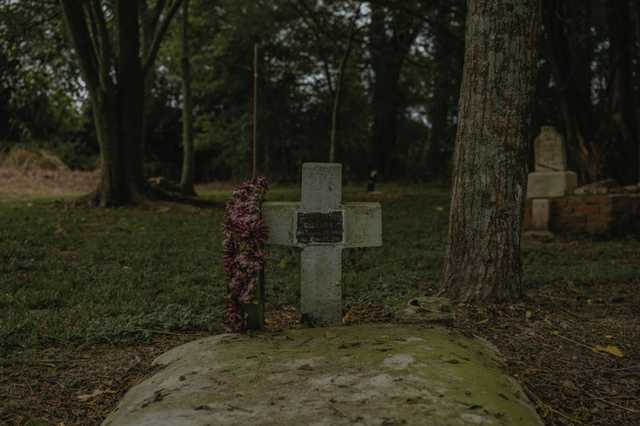 CR-Hidden-Cemetery_Evangeline-Parish_Olivia-Perillo---48.jpg
