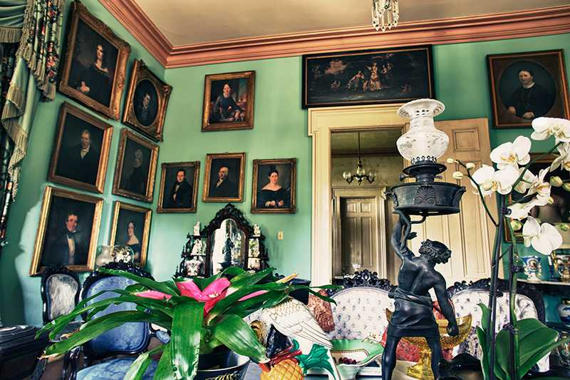 Town And Country New Orleans >> Hunt Slonem's Lakeside Plantation - Country Roads Magazine