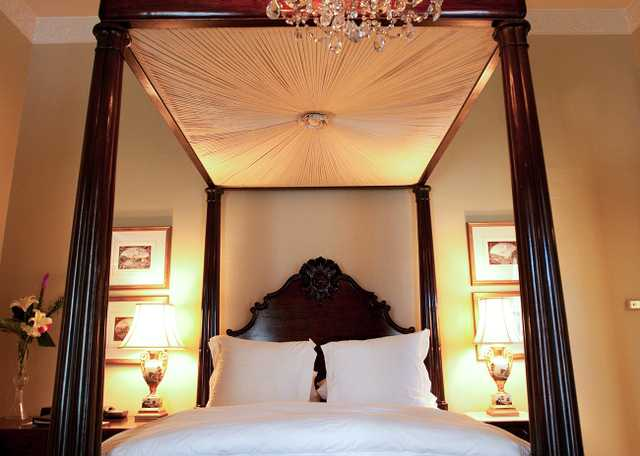 Dunleith Four Poster Bed