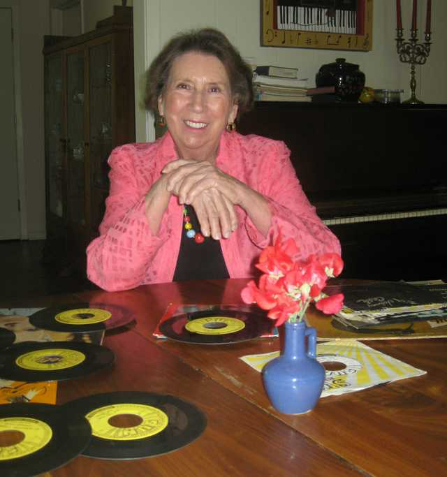 sun records - sims with records 2.jpg