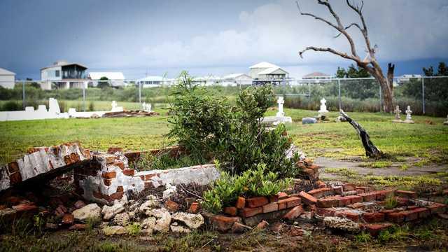 Cheniere Caminada Cemetery