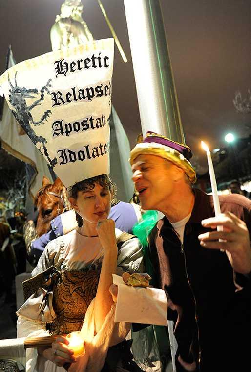 Joan_of_Arc_Parade_costume.jpg