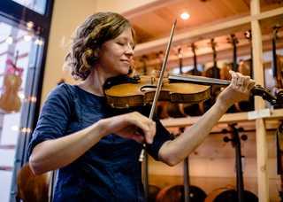 anya-burgess-sola-violins.jpg
