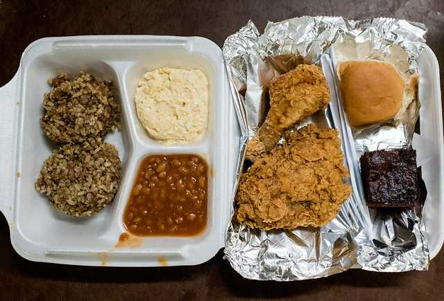 suires plate lunch.jpg