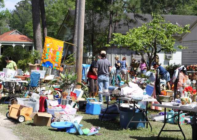 4Abita-Springs-Whole-Town-Garage-Sale-photo-courtesy-LouisianaNorthshore.com.jpg