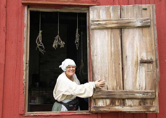 Cabin-window-welcome-west-baton-rouge-museum.jpg