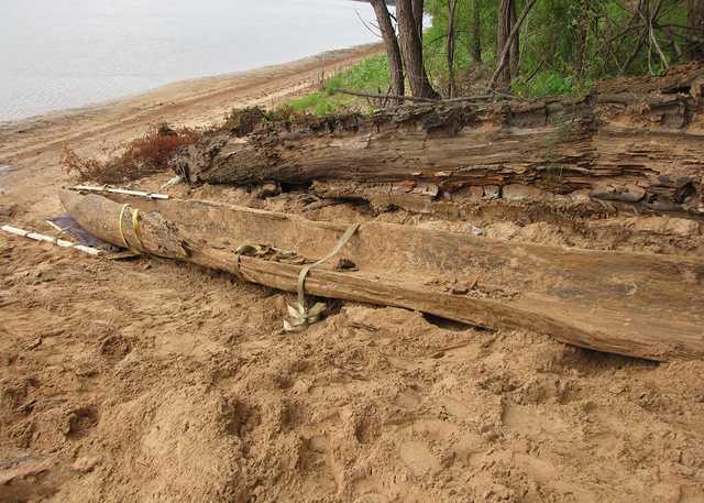 canoe dugout.jpg