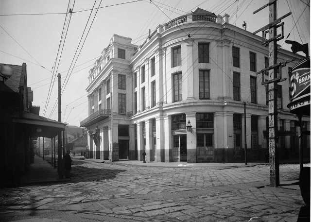nola-french-opera-house.jpg
