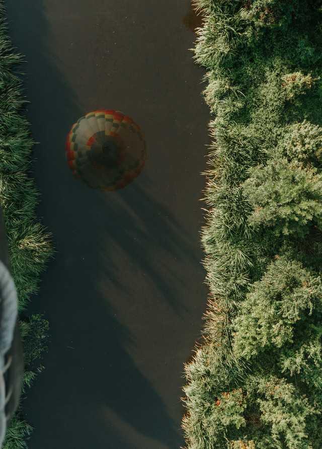 balloon-reflection.jpg
