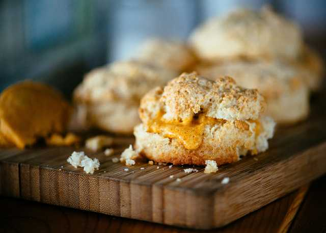 Toups-South-Sourdough-Biscuits-with-Crab-Fat-Butter-Photo-Credit-Denny-Culbert.jpg