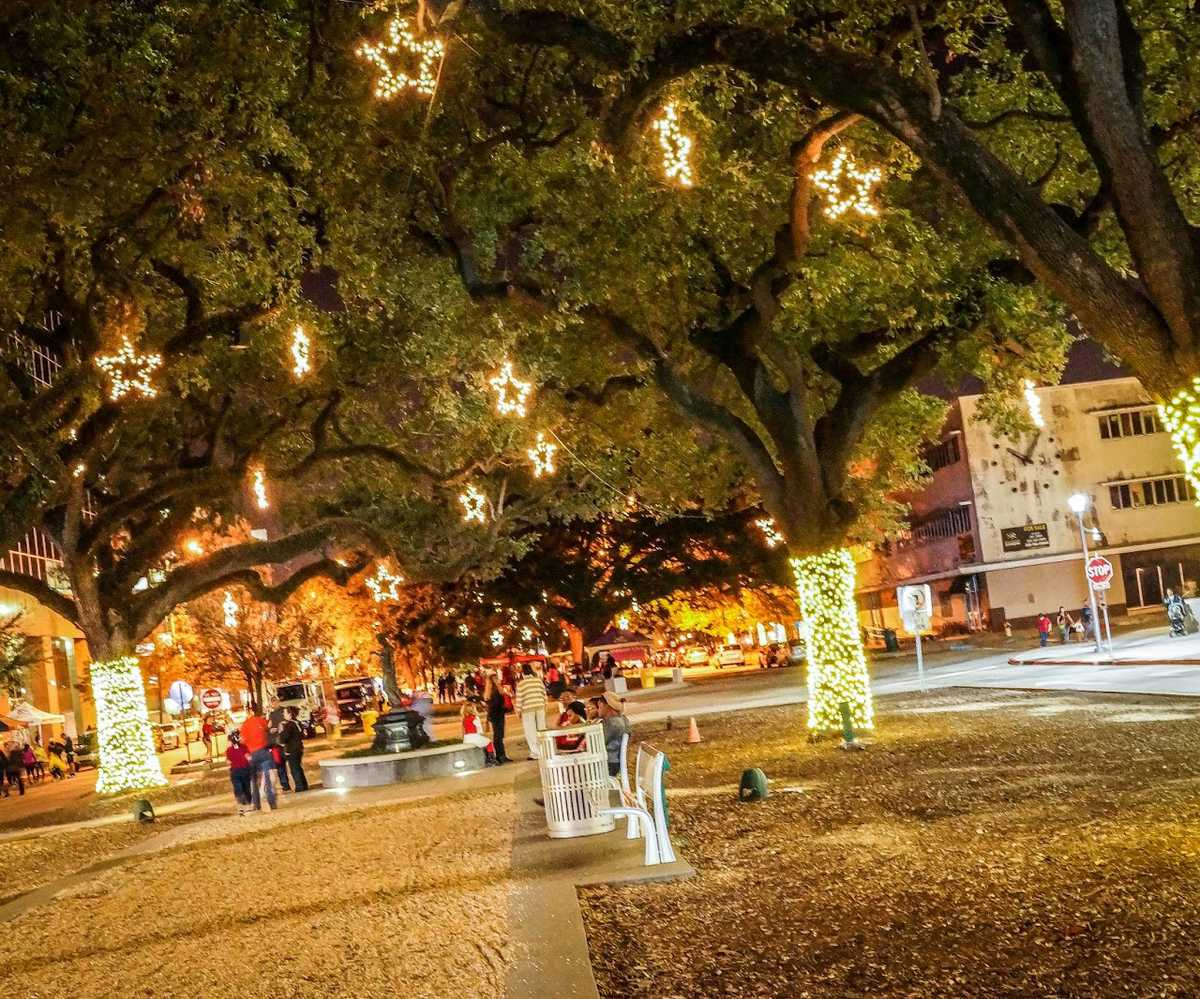 Festival Of Lights In Downtown Baton Rouge Country Roads