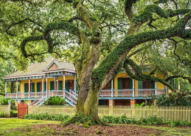 Oak-and-main-house_west_300dpi.jpg