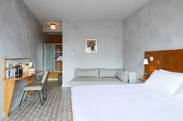 THE-DRIFTER_Single-King-Guestroom_Nicole-Franzen-for-Design-Hotel.jpg